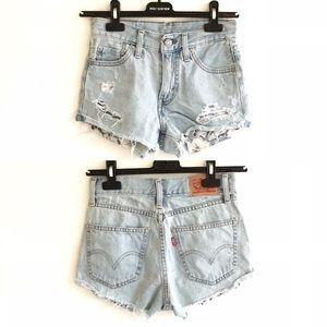 LEVI's Cut Off Denim Shorts Light Blue 24